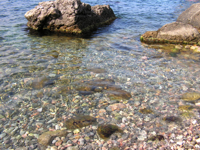 Чистая вода бухты Ласпи