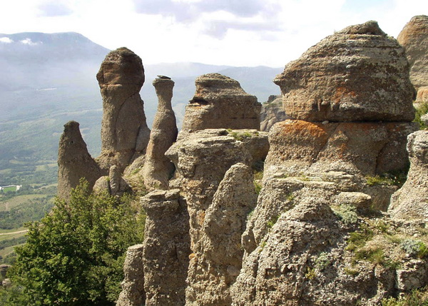 каменные стражи