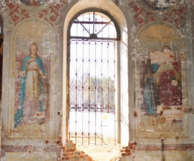Храм во имя Святого Макария Желтоводского в деревне Макарьевское.