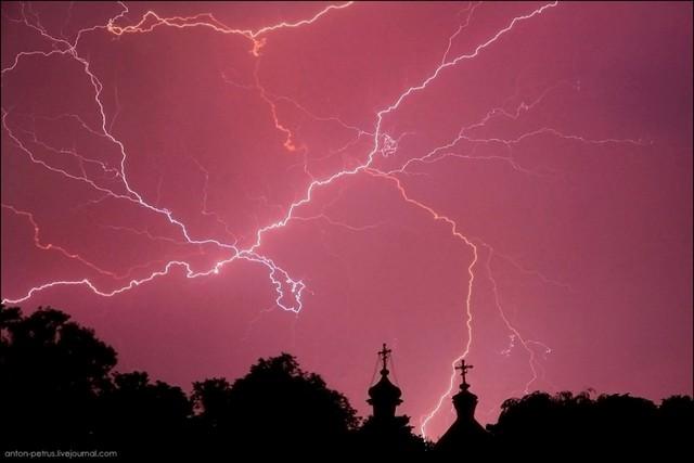 Canon 400D, f 6,3, iso 400, 30с. Город Переяслав-Хмельницький, Свято-Троицкая церковь