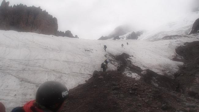 Спуск с ледника на морену