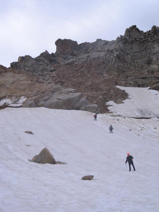 Спуск в сторону ледника малый Азау