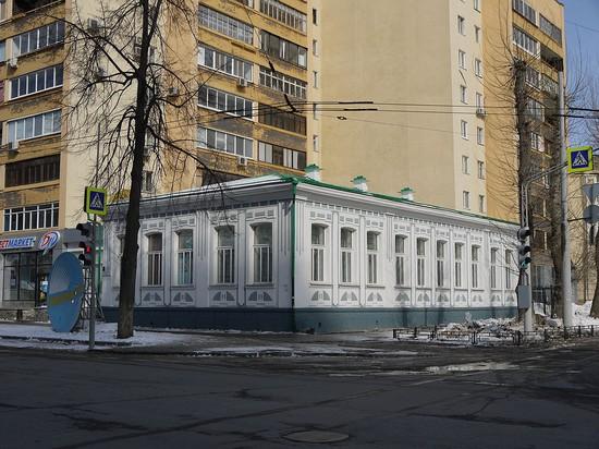 Александр Попов жил в этом доме на улице Златоустовской в усадьбе Левицкого (ныне — дом по улице Розы Люксембург, 9/11). Сейчас здесь находится музей радио. Автор фото неизвестен.